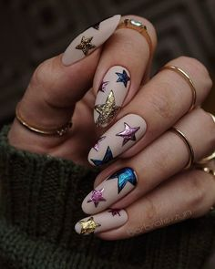 Are searching for Christmas nail art? Then this is the place to be! To get you inspired, we have found 40 Christmas nail designs for you. matt 80 Easy Christmas Nail Art Ideas - Page 2 of 9 - Soflyme Edgy Nails, Grunge Nails, Trendy Nails, Pink Nails, Cute Nails, Gel Nails, Nail Nail, Coffin Nails, Gel Manicures