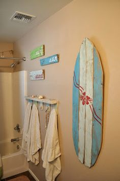 seeshellspace: My Beachy Bathroom Makeover for under $30