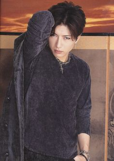 gackt Human Pictures, Miyavi, Hot Asian Men, Gackt, Rock Artists, Korean Bands, Final Fantasy Vii, Ulzzang Boy, Actor Model