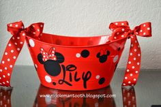 RANDOM RAMBLINGS: MINNIE MOUSE BUCKET AND WATER BOTTLE