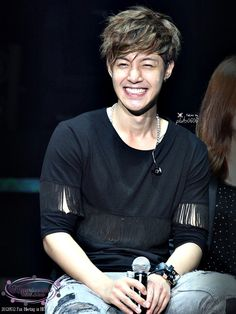 Kim Hyun Joong <3 that smile!!!