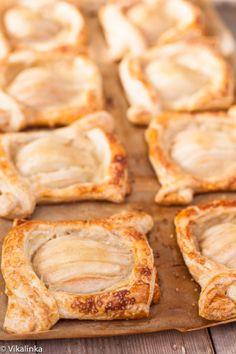 Salted Caramel Pear Tarts #puffpastry #thanksgiving #breakfast #saltedcaramel