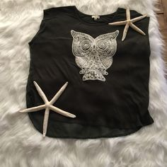 Green Owl Top!! Large Dark Green Owl top.  Very fun and cute.  24 in long and 21 in wide. Tops