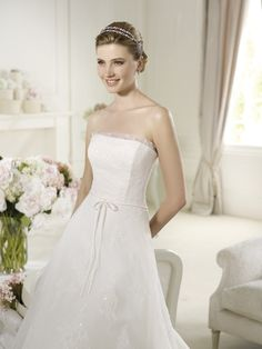 Ulex by Pronovias  Sample now for sale RRP £2210 Now £399