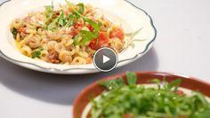 Anelletti al tonno e pomodori secchi con rucola (Pasta met tonijn en gedroogde tomaat met rucola) - recept   24Kitchen