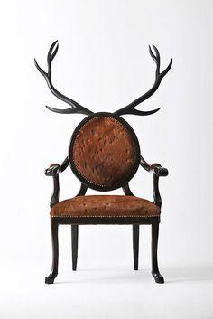 Une chaise design poilue et cornue - Mon Coin Design Cool Furniture, Furniture Design, Lacquer Furniture, Unusual Furniture, Reclaimed Furniture, Pipe Furniture, Furniture Chairs, Furniture Vintage, Handmade Furniture