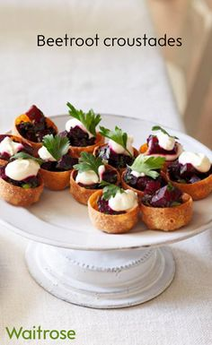 Beetroot croustades – dainty, hot canapés which are delicious when served as a quick nibble before Christmas dinner. Serve with a little horseradish sauce and sprig of parsley. Christmas Nibbles, Christmas Canapes, Christmas Party Food, Xmas Food, Christmas Dinner Starters, Christmas Ideas, Nibbles Ideas, Nibbles For Party, Canapes Recipes