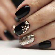 99 trending black nails art manicure ideas black coffin nails black acrylic n Black Gel Nails, Black Coffin Nails, Black Nail Art, Matte Nails, Acrylic Nails, Black Manicure, Matte Gold, Shellac Nails, Black Art