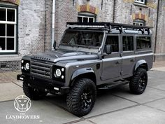 """This Defender 90 is fitted with a LS engine mated to a automatic transmission. """"Ministry of Defender"""" dash upgrade. """"Ministry of Defender"""" heating & air conditioning system. Landrover Defender, Defender Camper, Land Rover Defender 110, Defender 90, Auto Jeep, Jeep 4x4, Range Rover Off Road, Bmw Autos, Grey Goose"""