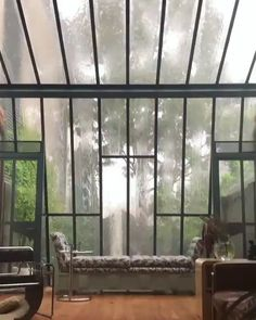 Rain cascading on a glass roof and windows. Home Interior Design, Interior Architecture, Interior And Exterior, Glass Room, Forest House, Cozy Place, Design Case, Sunroom, Solarium Room