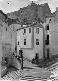 (Foto: Arquivo Municipal de Lisboa) Old Photos, Vintage Photos, Places In Portugal, Portugal Travel Guide, Beyond Beauty, Photography Tours, Azores, Landscape Architecture, Lisbon Portugal