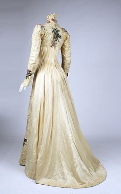 Dress (back view)  -  American  -  c 1900