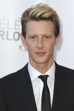Gabriel Mann was born on May 1972 in Middlebury, Vermont, USA. He is an actor, known for Batwoman What/If and The Blacklist Hot Actors, Actors & Actresses, Renee Zellweger, Batwoman, Men With Blonde Hair, Event Photos, Famous Faces, Picture Photo, Famous People