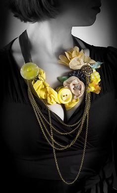 Fancy Flower necklace in a beautiful game of Harmonies by LaMaurer