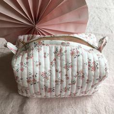 Gris Vert Articles De Toilette Maquillage Light Jade matelassé velours lavage sac avec Tassel