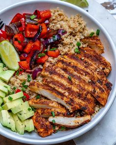 "Cauliflower ""Rice"" Bowls Chicken and Cauliflower ""Rice"" Bowls are Quick and Perfect for Meal Prep!Chicken and Cauliflower ""Rice"" Bowls are Quick and Perfect for Meal Prep! Healthy Meal Prep, Healthy Dinner Recipes, Healthy Snacks, Healthy Tasty Food, Lunch Recipes, Vegan Food, Delicious Food, Fitness Meal Prep, Appetizer Recipes"
