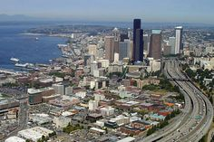 Downtown Seattle | Seattle downtown, departing from Boeing Field photo - Alan Clements ...