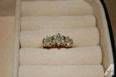 10K gold and diamond flower ring - $100 (Harker Heights)