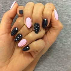Hola Lola !! Słodki odcień różu, który idealnie komponuje się z czernią i delikatnymi zdobieniami Pazurki od Barbary Bebej Indigo Young Team #indigonails #instafollowers #pinknails #blacknails #sugarnails #effectnails #amazingnails #wonderfulnails #wownails #cutenails #sweetnails #gorgeousnails #lovelynails #prettynails #nailofinstagram #nailobsession #nailoftheday #nailobsessed #nail #nails #nailmania #gelnails #gelnail #nails4u #nails4yummies #nails2inspire