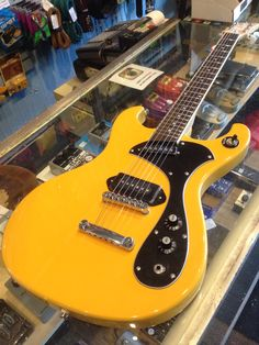 DiPinto Melody Mach w/ P-1000 in TV Yellow.
