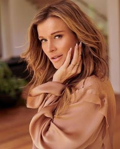 Joanna Krupa Has A Message For The Haters And Online Trolls! Judging Others, Joanna Krupa, Real Housewives, Look In The Mirror, Life Photo, Hair Today, Lgbt, Long Hair Styles, Celebrities