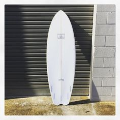 Shaped myself a new #deadmanshand with a drop swallow variant. See ya later im goin surfin. #boom