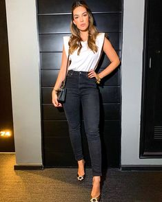 Looks Style, My Style, Ootd, Skirt Outfits, Casual, Night Out, Leather Skirt, Capri Pants, Street Style