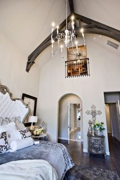 I LOVE the gorgeous high, arched ceilings in this #home. So dramatic! http://donnamossdesigns.com/ | #DonnaMossDesigns #DonnaDecoratesDallas #InteriorDesign #Style #Ceiling #Design #Bedroom #Lighting #LightingDesign #Ceilings