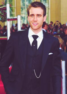 Damn, Neville got hot! For me, the nerdier they are, the sexier they are;)