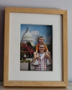 Pop-out 3-D Photos ~ great to make with your holiday, celebration & vacation photos and a wonderful DIY gift idea: Father/Mother's Day, Grandparents Day, Birthdays, Weddings, Anniversary, New Baby, Graduation etc. Link to Instructions on page Kids could have fun making these