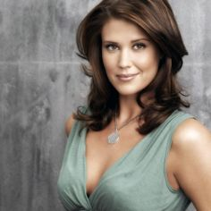 Sarah Lancaster love her hair Sarah Lancaster, Young Celebrities, Celebs, Most Romantic Hollywood Movies, Yvonne Strahovski, Female Actresses, Fall Hair, Beautiful Actresses, Pretty Face