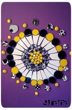 Mandala en mosaico. Bordando paredes.