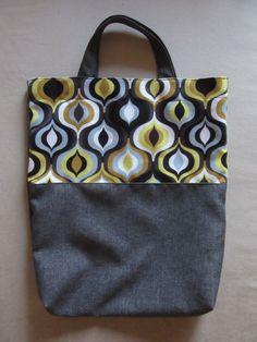 Bag with geometric pattern
