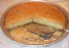 Δεν θα μείνει ούτε κομματάκι από αυτό το υπέροχο γαλακτομπούρεκο! Greek Sweets, Greek Desserts, Party Desserts, Greek Recipes, Christmas Sweets, Sweet Tooth, Bakery, Recipies, Tasty