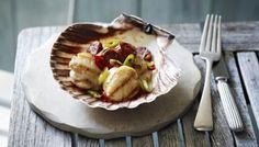 The combination of spicy chorizo and chilli with creamy scallops and a touch of honey gives this easy starter a sensational flavour.