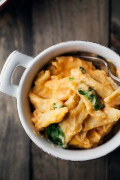 Sweet Potato and Spinach Mac and Cheese - this sounds SO delicious! I might even add some small broccoli florets to this