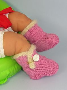 Baby_fur_trim_one_button_booties4_small2