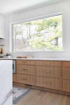 Shaker Kitchen Cabinets, Shaker Style Kitchens, Kitchen Cabinet Design, Kitchen Interior, Kitchen Cabinets Plans, Oak Cabinets, White Oak Kitchen, New Kitchen, Kitchen Reno