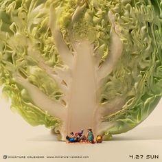 01-Big-Tree-Tatsuya-Tanaka-Miniature-Calendar-Worlds-www-designstack-co.jpeg (500×500)