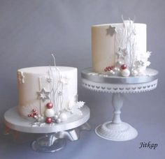 Ideas for cake christmas birthday desserts Christmas Birthday Cake, Mini Christmas Cakes, Christmas Cake Designs, Christmas Cake Topper, Christmas Cake Decorations, Birthday Desserts, Christmas Sweets, Holiday Cakes, Christmas Baking