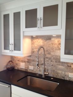 Kitchen Backsplash Pictures Black Countertop