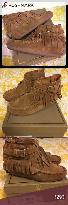 Ash Italia Booties Booties with a built in heel.   Brown leather with fringe in 37 m. Super comfy and great for fall with a pair of jeans. Ash Shoes Ankle Boots & Booties