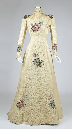 Dress    Date:      ca. 1900  Culture:      American  Medium:      silk  Dimensions:      Length at CB: 70 in. (177.8 cm)  Credit Line:      Gift of The New York Historical Society, 1979  Accession Number:      1979.346.207    This artwork is not on display