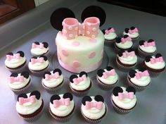 Super girly girly and I love polka dots ~ Minnie Cake & Cupcakes. Bolo Minnie, Minnie Cake, Baking Cupcakes, Cupcake Cookies, Beautiful Cakes, Amazing Cakes, Minnie Mouse 1st Birthday, Mickey Mouse, 2nd Birthday