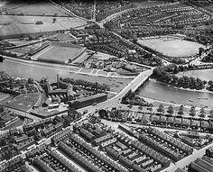 ENGLAND Trent Bridge, Forest Football Ground and Trent Bridge Cricket Ground, Nottingham, 1932 Nottingham Forest Fc, Nottingham City, Football Stadiums, Derbyshire, Somerset, Hampshire, Nice View, Britain, City Photo