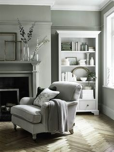 6 Green Living Room Designs That Are Going To Blow Your Mind - Find out why modern living room design is the way to go!Cosy living room designs as seen from abov - Design Living Room, Living Room Green, My Living Room, Home And Living, Small Living, Modern Living, Armchair Living Room, Cosy Grey Living Room, Grey Dinning Room