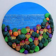 taş boyama hem kolay hem zevkli hem de oldukça hoş duran bir uğraş. deniz kenarında köy temalı harika bir taş boyama köy çalışması 10marifet.org'da