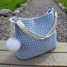 Vet du hur enkelt det är att virka sig en ursnygg väska?! Och även om du är nybörjare så kommer dina vänner tro att den är köpt och gapa av förvåning när du berättar att du har gjort den själv. Jag…