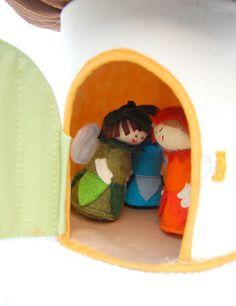 Felt fairy house and faries
