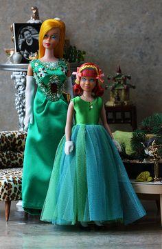 Junior prom for Skipper, sweet Barbie Doll House, Barbie Life, Barbie World, Barbie And Ken, Barbie Skipper, Barbie Dress, Barbies Dolls, Barbie Outfits, Vintage Barbie Clothes
